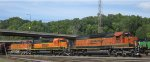 BNSF passing St Pauls Daytons Bluff yard in 2007.